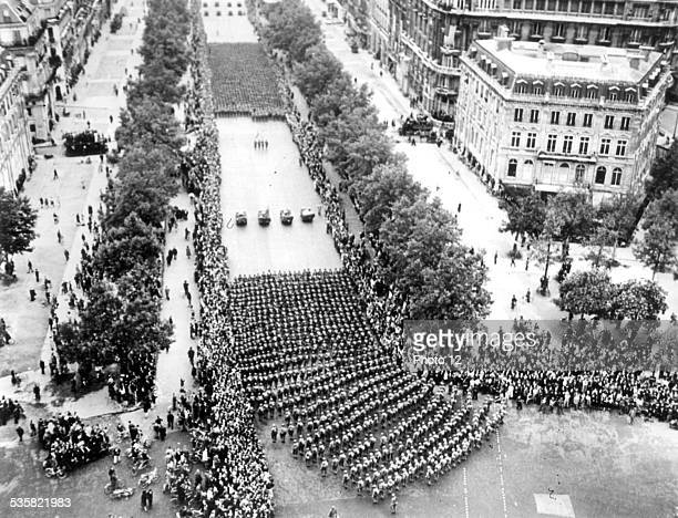 Heading towards the Front American troops parading through Paris August 25 1944