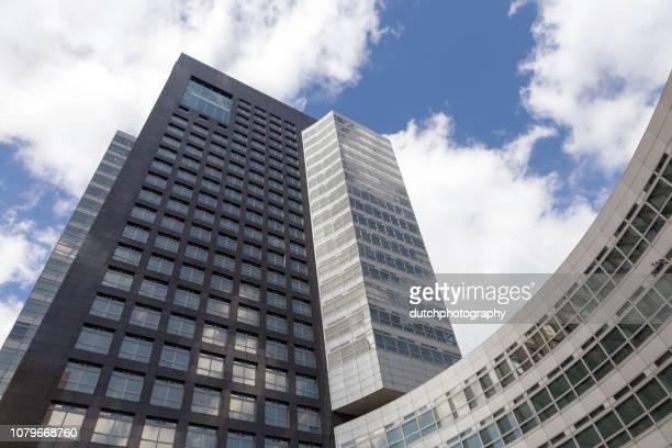 huvudkontor abn amro bank i amsterdam i nederländerna 2018 - huvudkontor bildbanksfoton och bilder