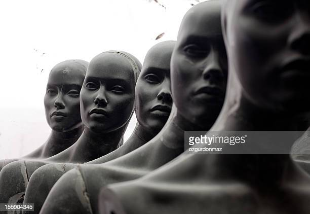 Heads of female mannequins