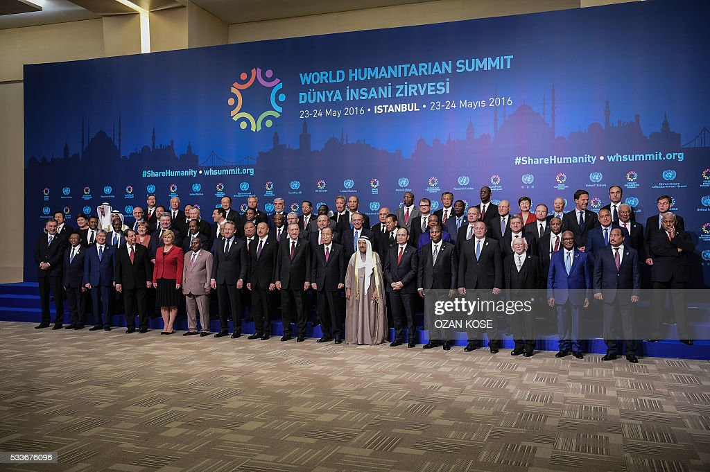 heads of state and government pose on May 23, 2016 during the World Humanitarian Summit family photo session in Istanbul. The over 60 heads of state and government gathered for the two-day summit convened by UN Secretary General Ban Ki-moon will have to defeat considerable scepticism that the event will turn into a well-intentioned but fruitless talking shop. KOSE