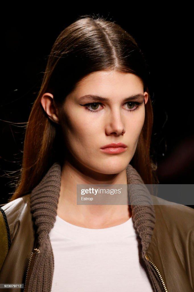 Alberta Ferretti - Details - Milan Fashion Week Fall/Winter 2018/19 : News Photo