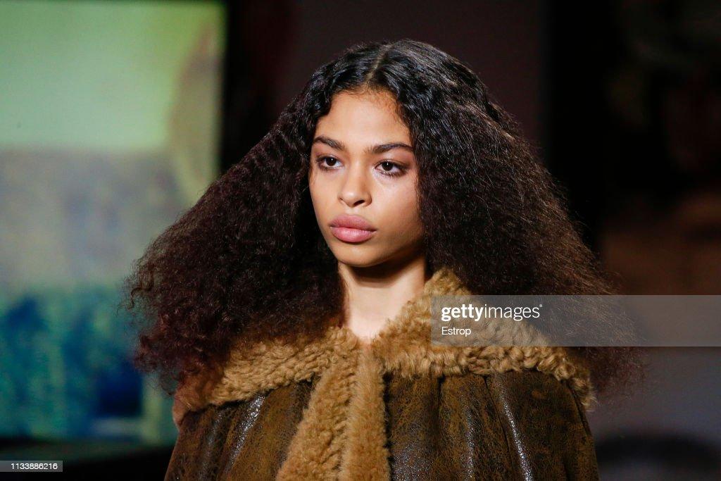 Miu Miu : Details - Paris Fashion Week Womenswear Fall/Winter 2019/2020 : ニュース写真