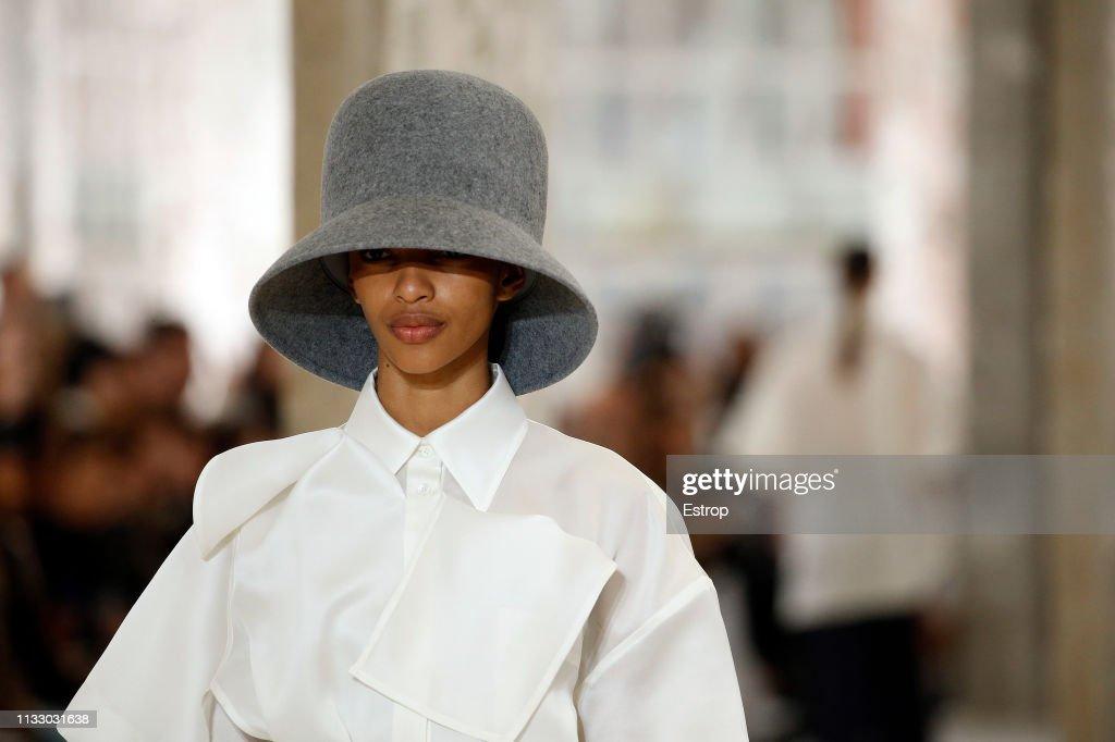 Nina Ricci : Details - Paris Fashion Week Womenswear Fall/Winter 2019/2020 : ニュース写真