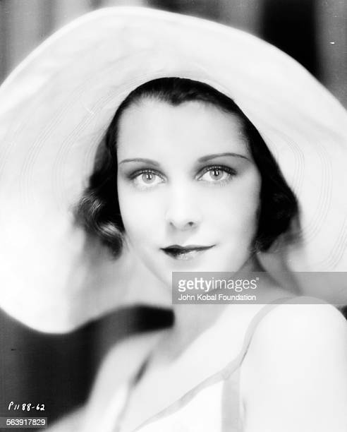 Headshot of actress Frances Dee wearing a wide brimmed hat for Paramount Pictures 1930