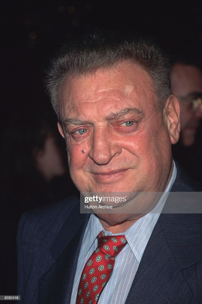 Headshot of American actor and comedian Rodney Dangerfield.