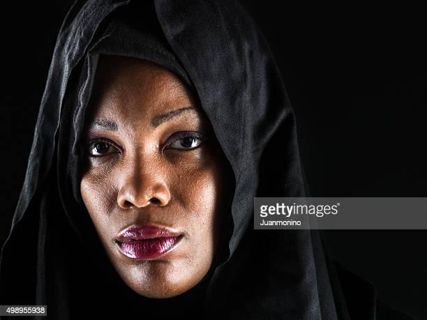 Porträt von eine afrikanische muslimische Frau