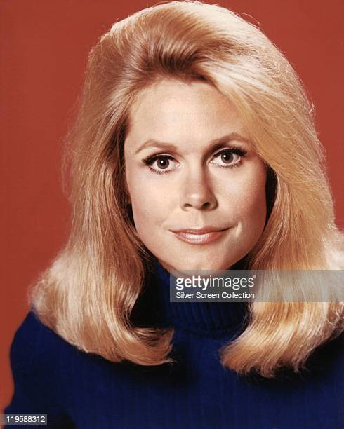 Headshot of Elizabeth Montgomery US actress in a publicity portrait issued for the US television series 'Bewitched' USA circa 1968 The sitcom starred...