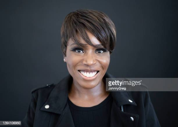 headshot of fashionable mature black woman - shorthair stock pictures, royalty-free photos & images