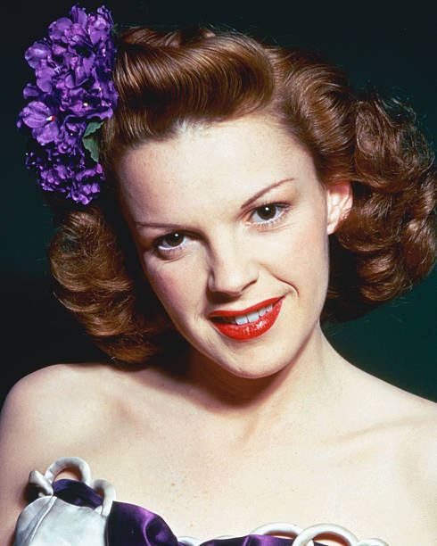 headshot-of-judy-garland-us-actress-and-