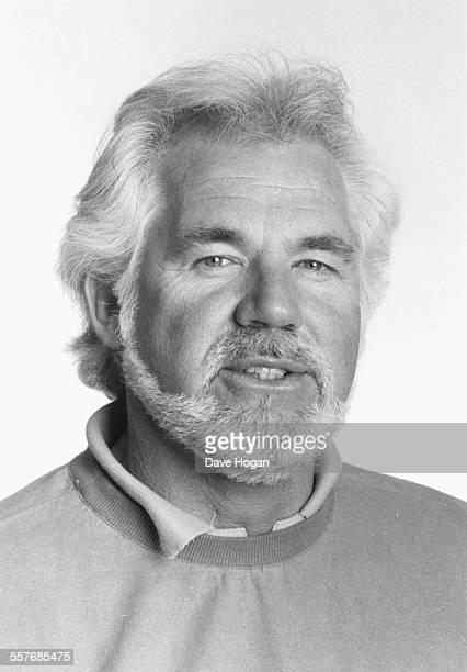 Headshot of musician Kenny Rogers circa 1985