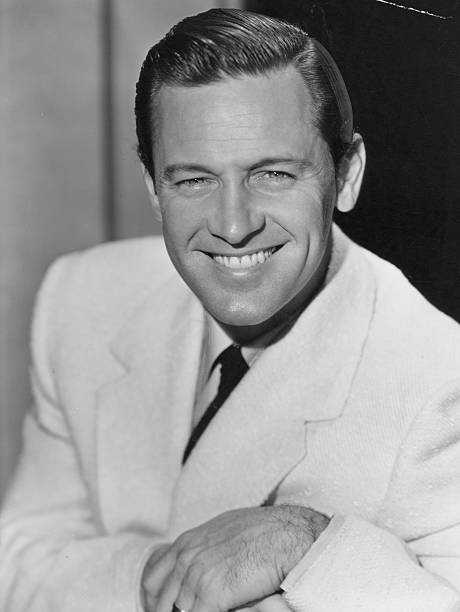 headshot-of-william-holden-1950-picture-