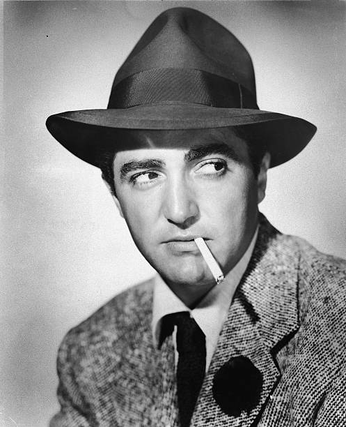 headshot-portrait-of-american-actor-shel