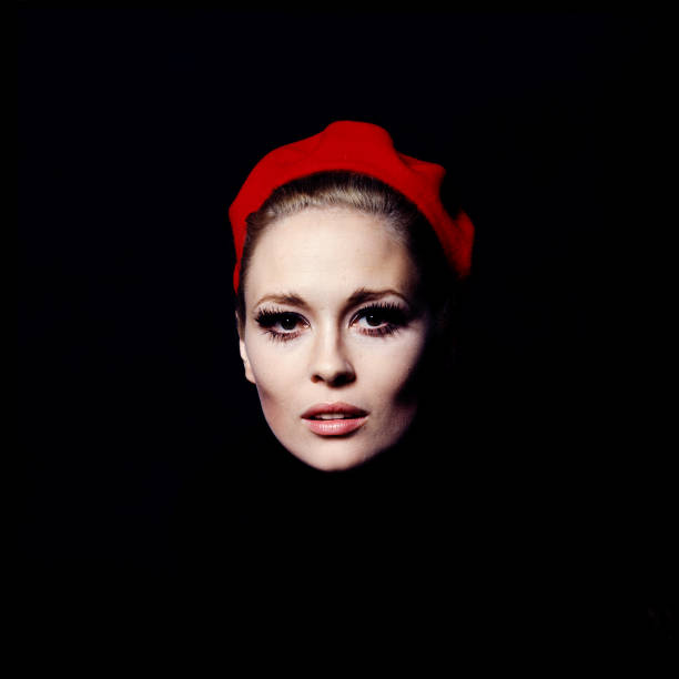 USA: Happy Birthday Faye Dunaway!