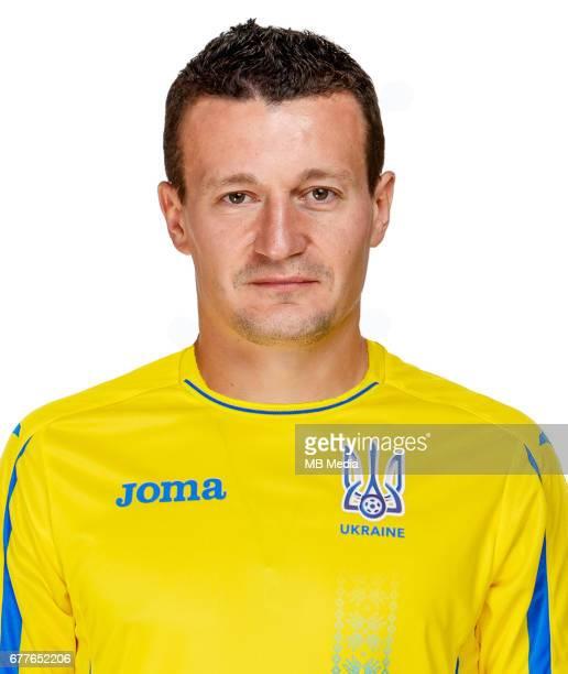 Headshot portrait Ukraine Artem Fedetskiy