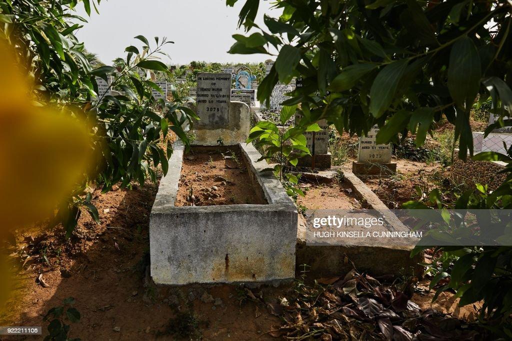 SIERRA-LEON-HEALTH-DISEASE-EBOLA : News Photo