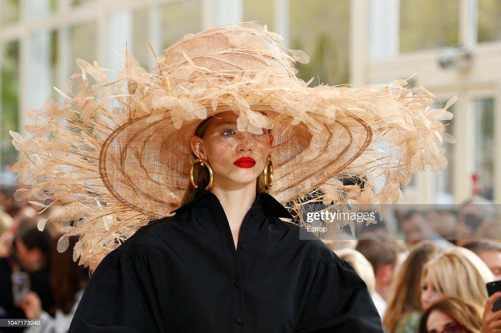 Valentino : Details - Paris Fashion Week Womenswear Spring/Summer 2019 : ニュース写真