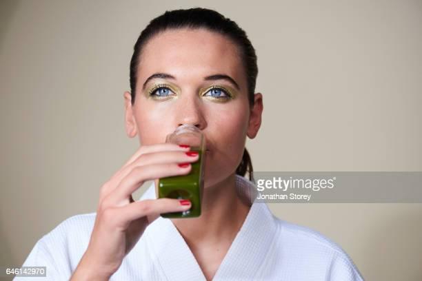 health and beauty - kosmetische behandlung stock-fotos und bilder
