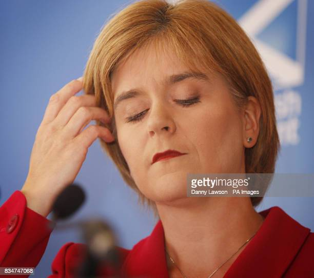 Health secretary Nicola Sturgeon responds to the Independent Review report into the fatal clostridium difficile cases at the Vale of Leven Hospital...