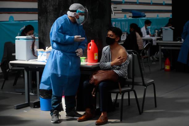 ECU: Ecuador's Vaccination Plan Against Coronavirus Advances