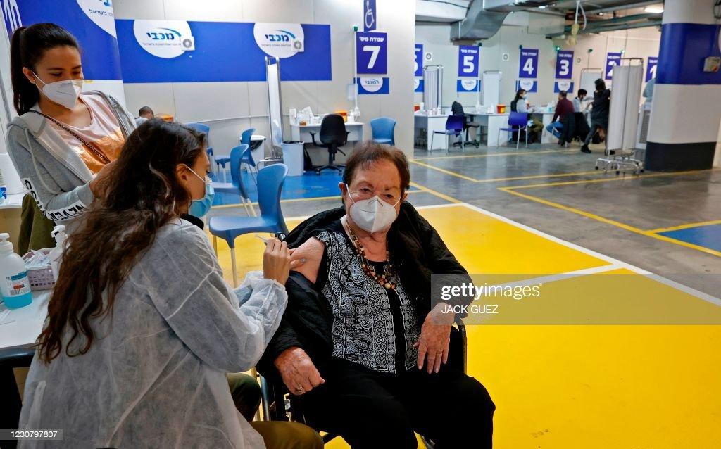 ISRAEL-HEALTH-VIRUS-VACCINE : News Photo