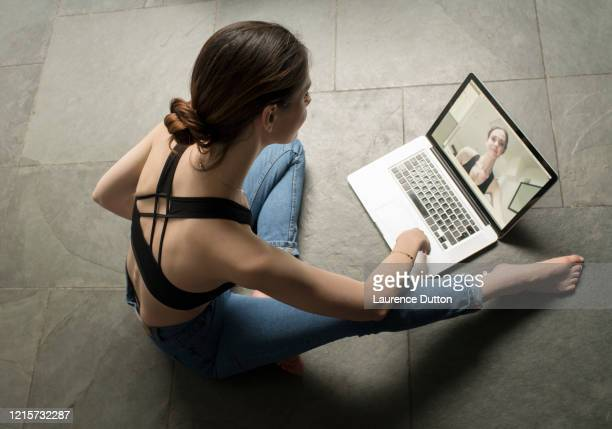 health yoga vlogger woman - actors at home stock pictures, royalty-free photos & images