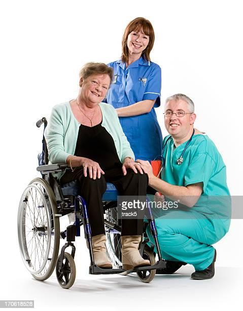 Gesundheitswesen: Arzt und Krankenschwester und patient