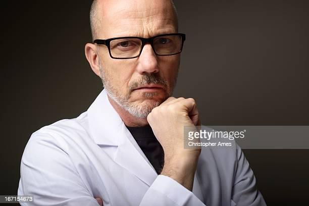Soins de santé-Médecin de Portrait homme