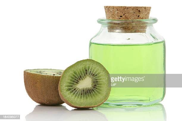 Medizinische Produkte Flasche mit Kork und kiwi