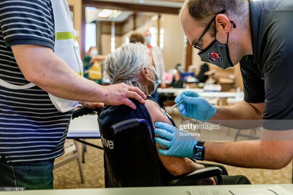 Henderson And Las Vegas Residents Receive Covid-19 Vaccination : News Photo