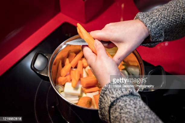 healthy cooking - electric stove burner stock pictures, royalty-free photos & images