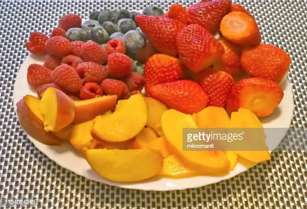 healthy eating,  fresh fruits - stoffwechsel entgiftung stock-fotos und bilder