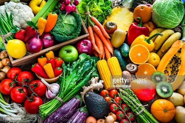 fundo de frutas e vegetais frescos saudáveis - vegan - fotografias e filmes do acervo