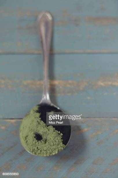 Healthy green powder food supplements
