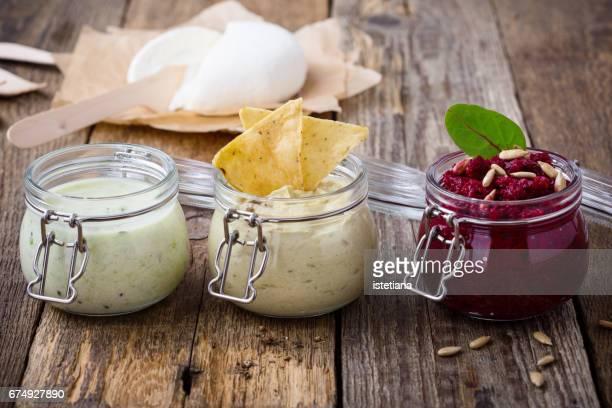healthy green yoghurt  smoothie and beetroot  dip - タレ ストックフォトと画像