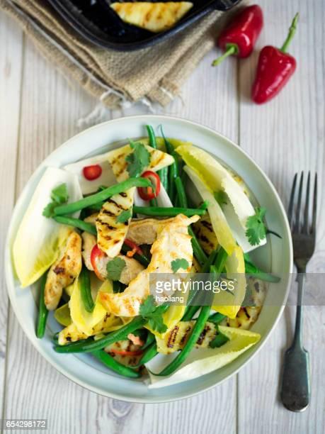 Gesunde gegrillte Hähnchensalat