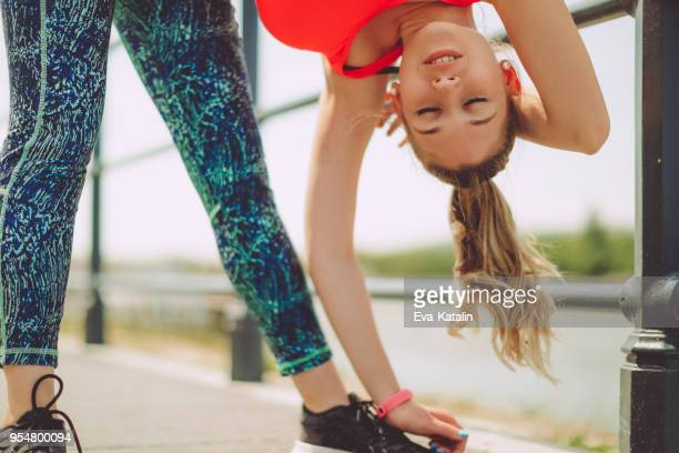 healthy outdoors exercising - extra long stock pictures, royalty-free photos & images