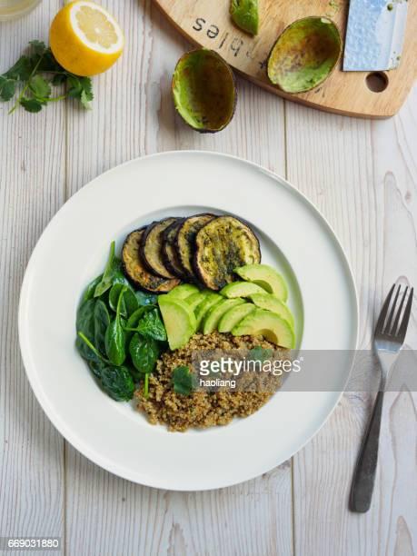 Saludable ensalada quinua