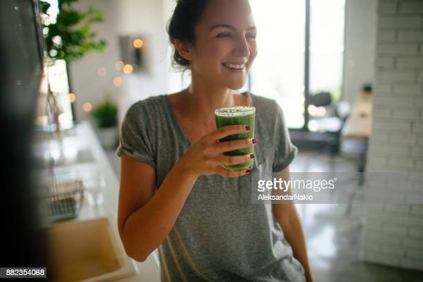 healthy smoothie for breakfast - green color stock pictures, royalty-free photos & images