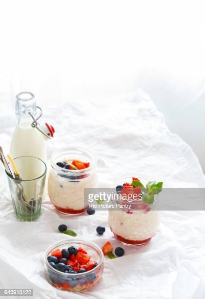 Healthy Strawberry Shortcake Overnight Oats for Breakfast