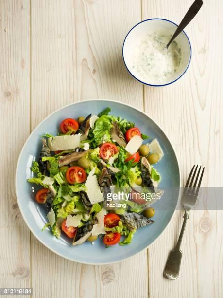 健康的な夏サバのサラダ