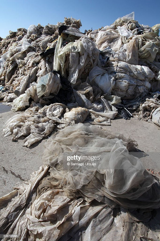 Heap of discarded plastics : Foto stock