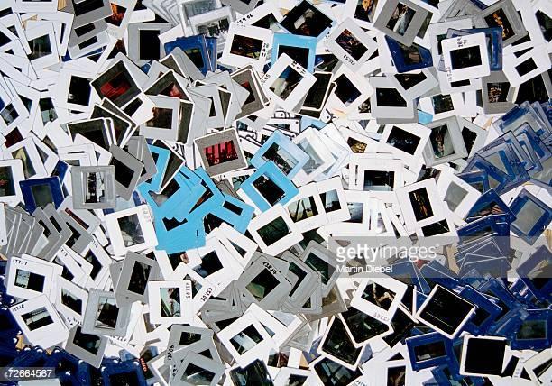 heap of photographic slides - dia stock-fotos und bilder