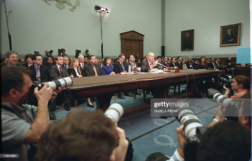 IMPEACHMENT HEARING--Independent Counsel Kenneth Starr testi : News Photo