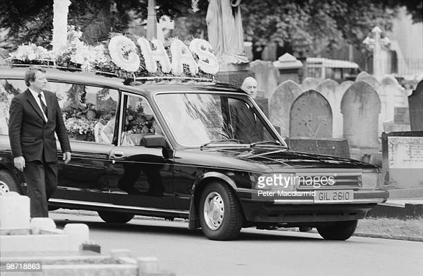 A hearse arriving at a Wandsworth cemetery with the coffin of English career criminal Charlie Wilson London 10th May 1990 Wilson was best known for...