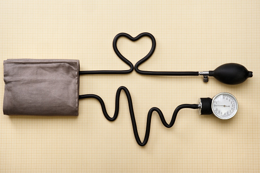 A heart and heartbeat done with a sphygmomanometer 157573081