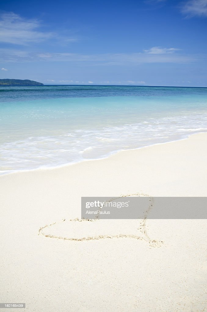 Heart in the White Sand : Stock Photo