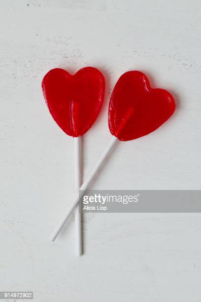 heart lollipop - lollipop stock pictures, royalty-free photos & images