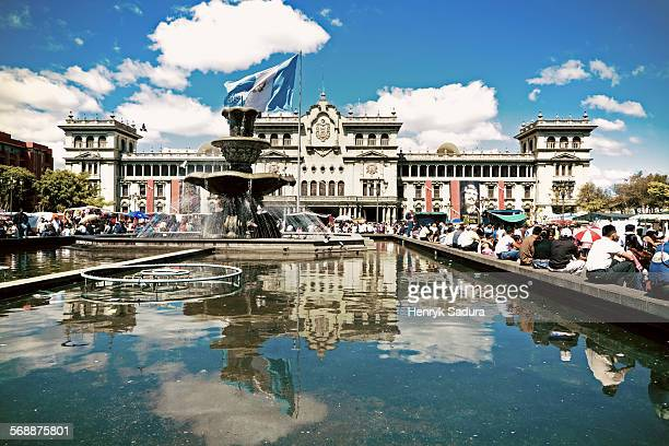heart of guatemala city - plaza constitucional. - guatemala fotografías e imágenes de stock