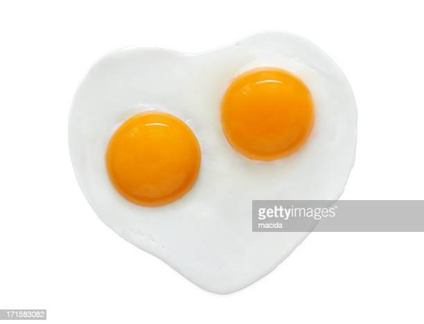 En forma de corazón huevo