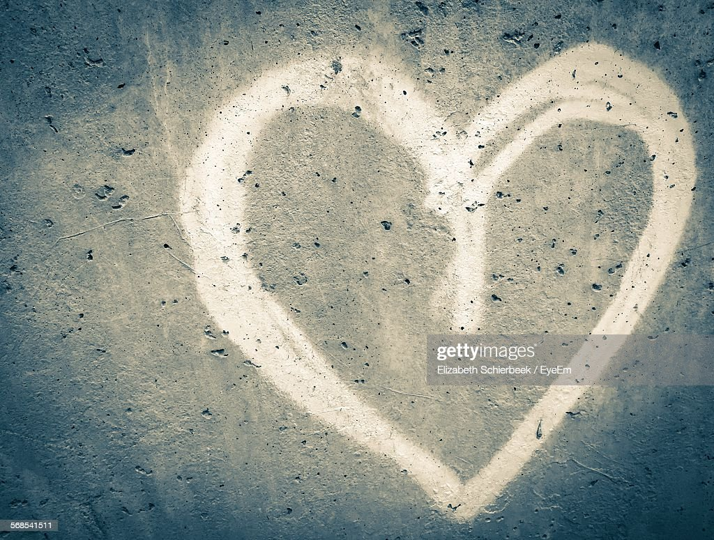 Heart Shape Graffiti On Wall : Stock Photo